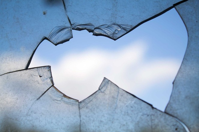 broken-window-960188_1280
